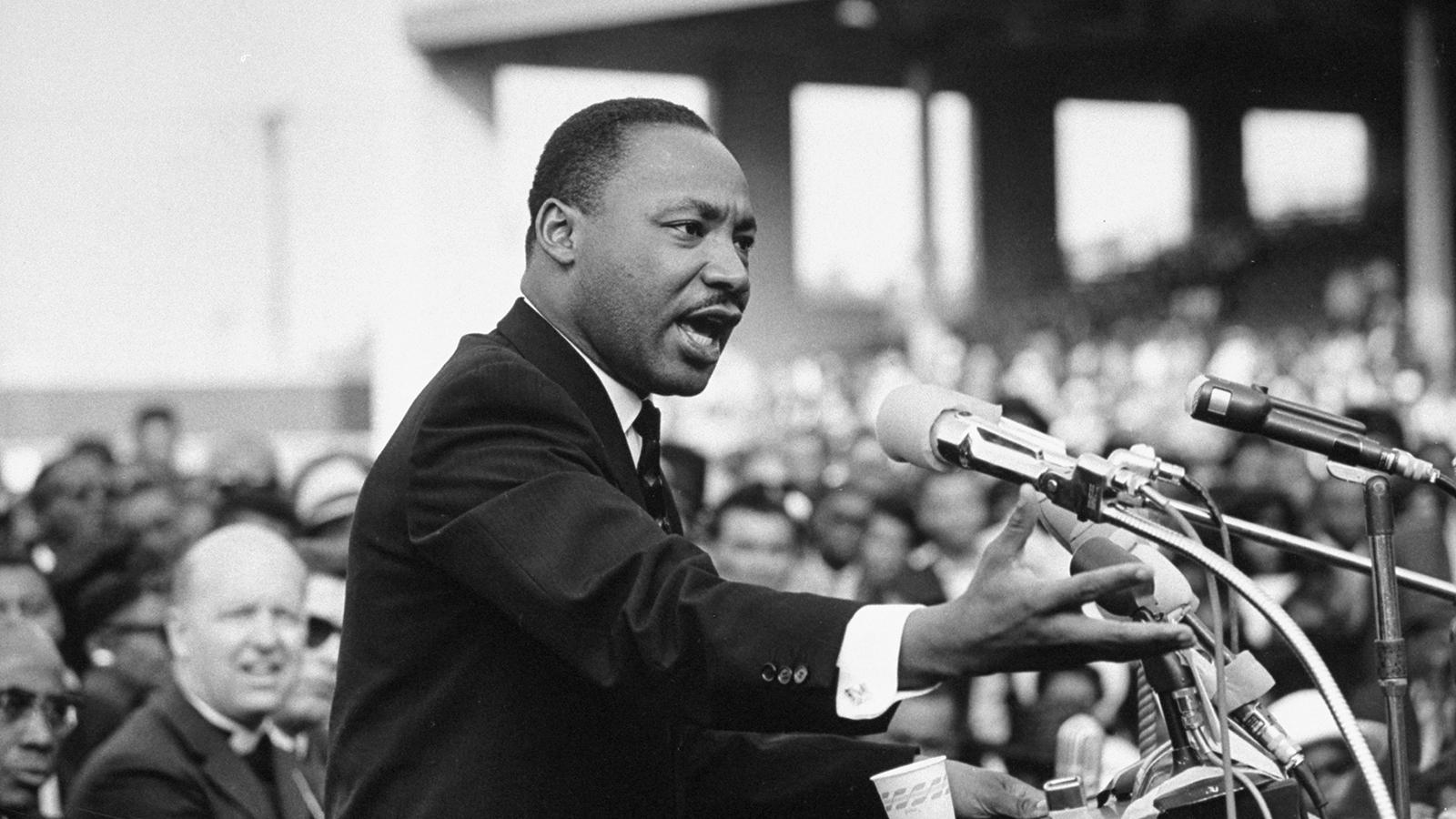 Kněz Martin Luther King junior se stal jednou z nejvýznamnějších postav v boji za rasovou rovnoprávnost. Jeho projev před 54 lety změnil svět.