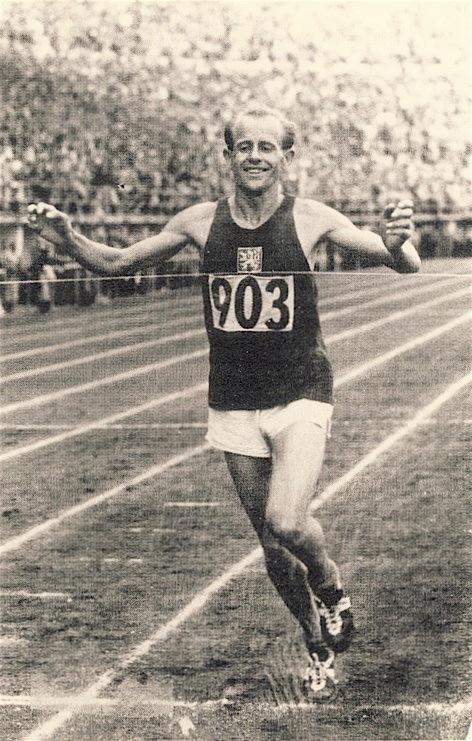 Emil Zátopek vytvořil celkem třináct světových rekordů.