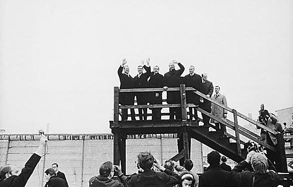 Richard Nixon a jeho návštěva Berlínské zdi.