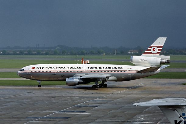4McDonnell_Douglas_DC-10-10,_Turkish_Airlines_AN1815013
