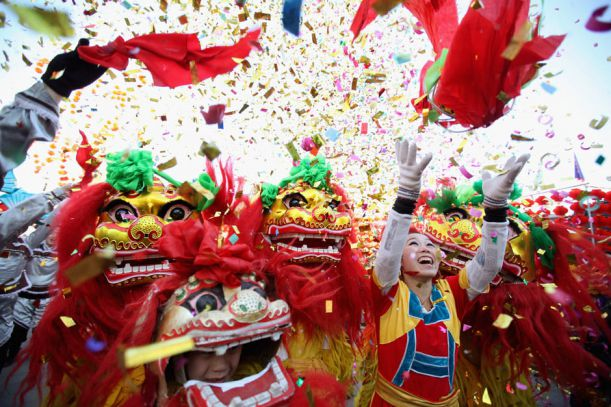 chinese-new-year-folk-artists-lion-dance-temple-fair-lunar-new-year-dragon-january-23-2012-beijing-china