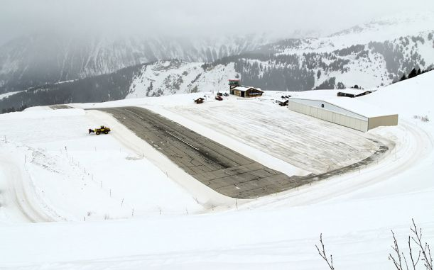 Courchevel_aeroport