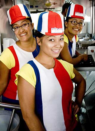 fast food ugly uniforms - badpennysays blogspot cz