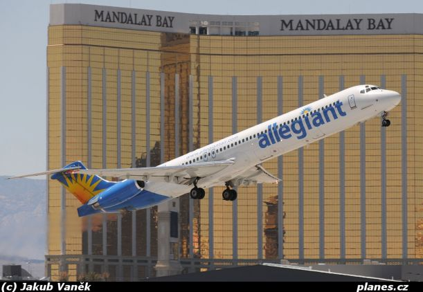 01-md83-n865ga-allegiant-air-aay-g4-las-vegas-mccarran-international-las-klas