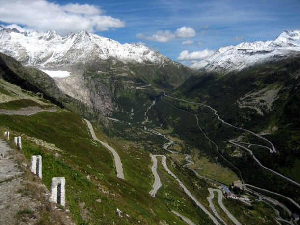 furkapassroute-in-switzerland-as-seen-from-grimselpassroute