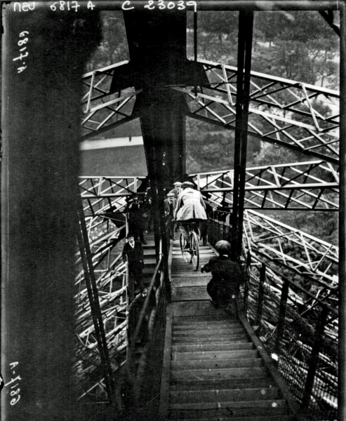 05Cycling-down-the-Eiffel-Tower-1923