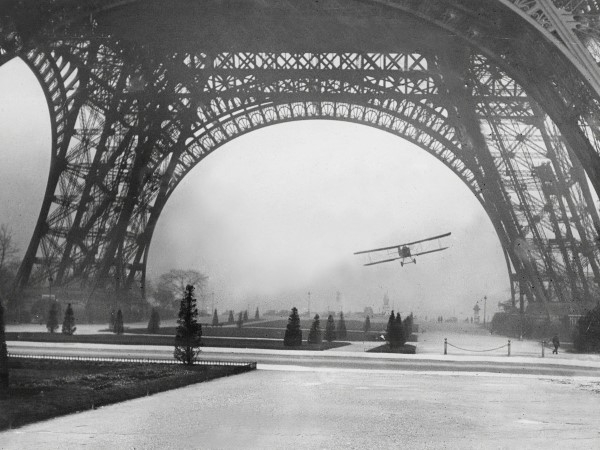 08In-1926-the-Eiffel-Tower-became-the-scene-of-tragedy-when-a-French-airman-named-Leon-Collet-was-killed-when-his-plane-tangled-with-cables