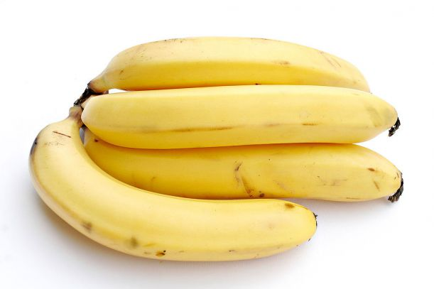 1024px-Bananas_white_background