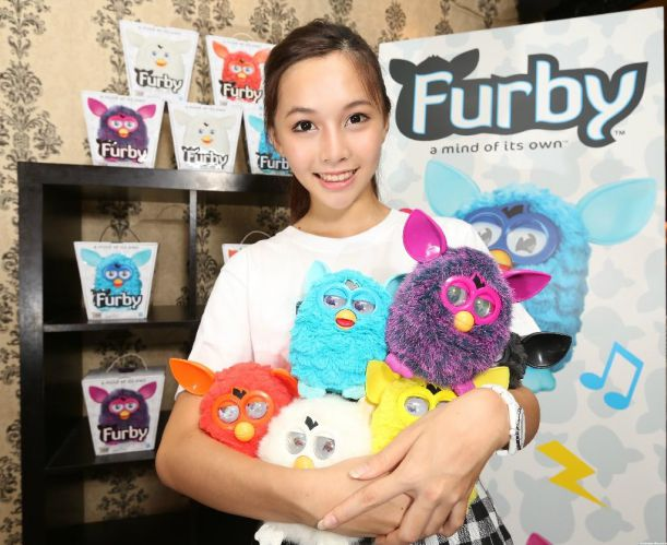 New_FURBY_2013_By_Hasbro