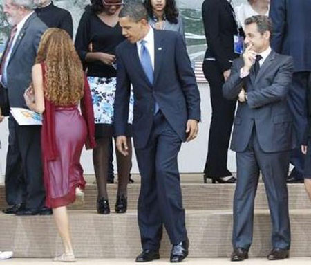 a97675_Barack-Obama-staring-at-Mayora-Tavares1
