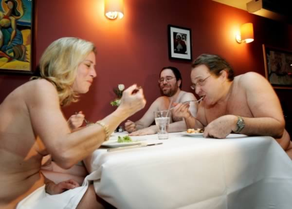 a98995_dinning_2-naked