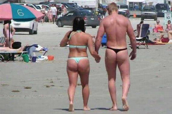 Epic Beach FAIL: Made for each other.