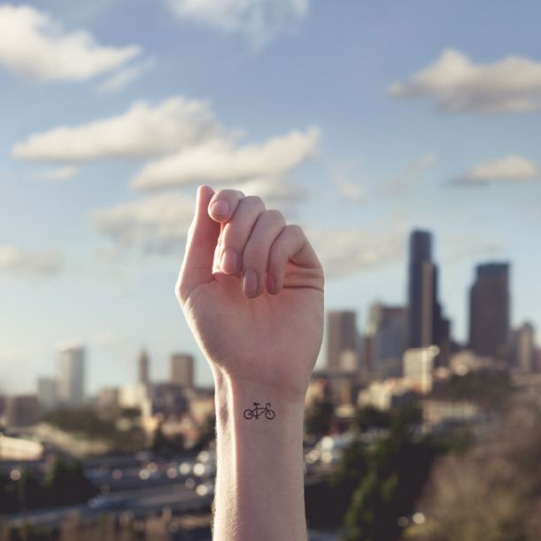 austin-tott-compares-tiny-tattoos-to-their-landscape-counterpart-designboom-06