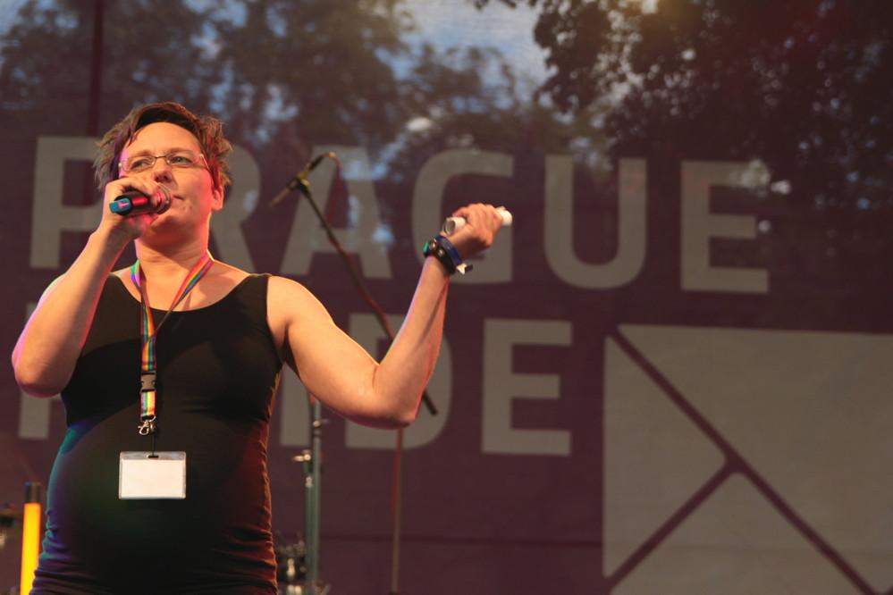 Organizátorka Prague Pride Kateřina Saparová vyžaduje respekt pro všechny homosexuály. Respekt si ale každý sám musí zasloužit, bez ohledu na sexuální orientaci.