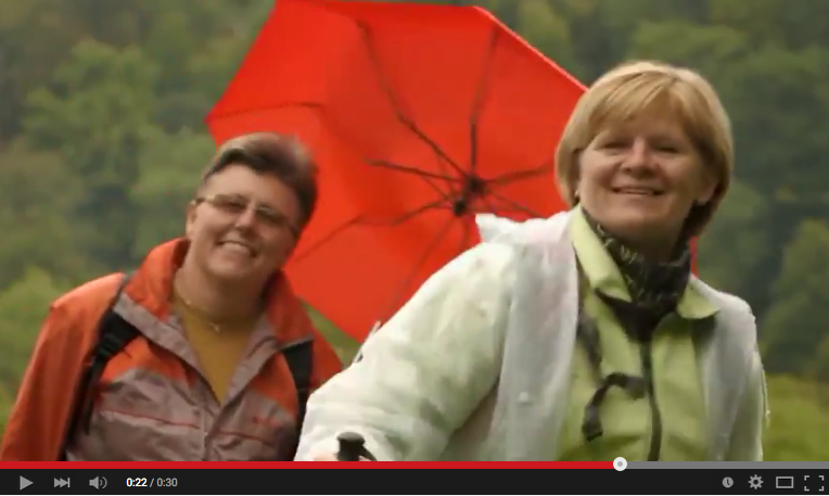 Tak tohle jsou podle autora klipu, Lukáše Garguláka, největší krás(k)y jižní Moravy? Chlapi, gratulujeme!