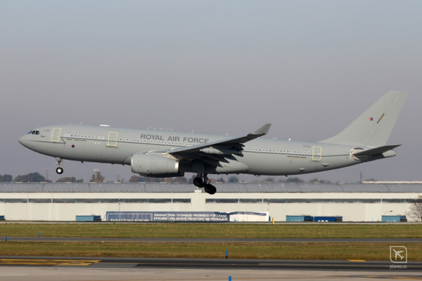 voyager-kc2-zz331-royal-air-force-rrr-rr-prague-ruzyne-prg-lkpr