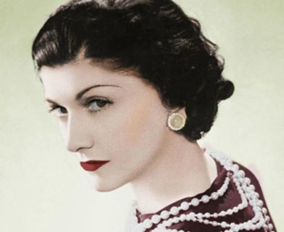 Coco Chanel byla jednou z nejtalentovanějších módních návrhářek všech dob.  Ke slávě jí ovšem pomohlo 066a0a2c96