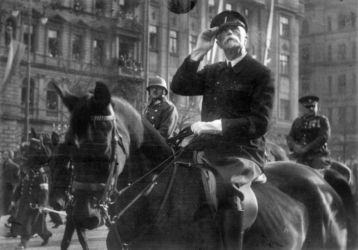 Tomáš Garrigue Masaryk byl československým prezidentem zvolen už v listopadu, do země se ale vrátil 21. prosince.
