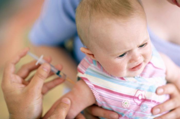 Očkování nezpůsobuje autismus, ani jeho prostřednictvím korporace neovládají lidstvo. Naopak se díky němu dospělosti dožívá mnohem více dětí než před 100 lety.