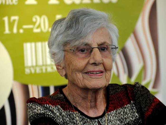 Ruth Bondyová přeložila mnoho klasických českých knih do hebrejštiny.