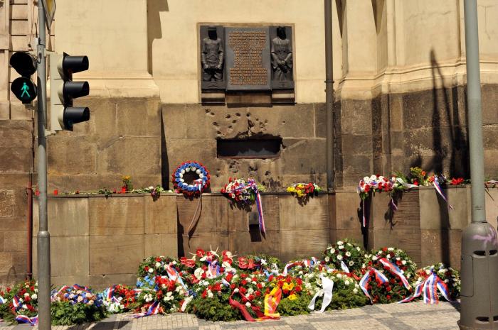 Česko si bude připomínat dva nové významné dny. Jedním z nich je 18. červen, den kdy svou poslední bitvu prohráli parašutisté podílející se na atentátu na Heydricha.