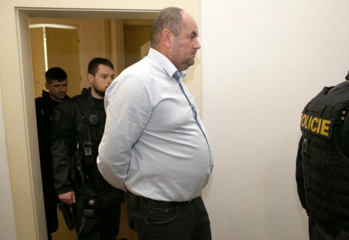 Kauza se týká nejen fotbalových dotací, které si přihrával Miroslav Pelta, ale celého českého sportu.