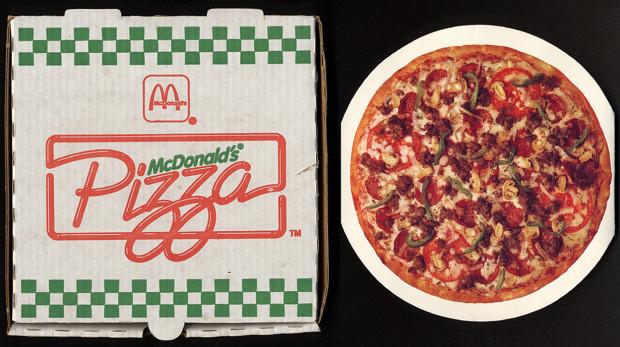 Věděli jste, že ještě v 70. letech si Američané v McDonaldu mohli dát klidně i pizzu?