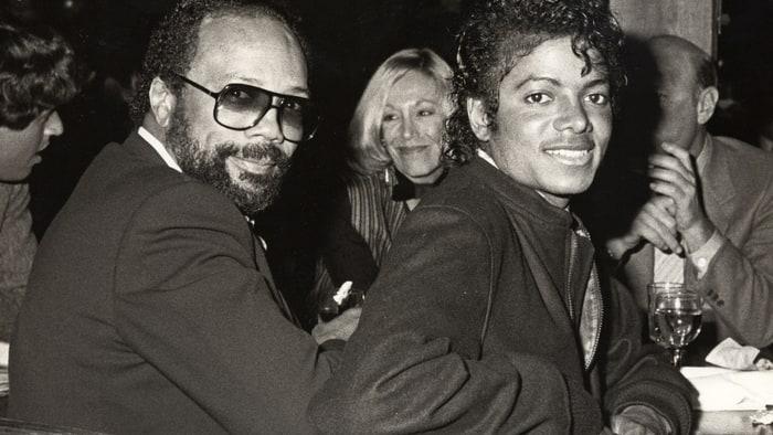Jones mimo jiné stojí za Jacksonovým albem Thriller. S králem popu jej pojil vztah nejen pracovní, ale i přátelský.
