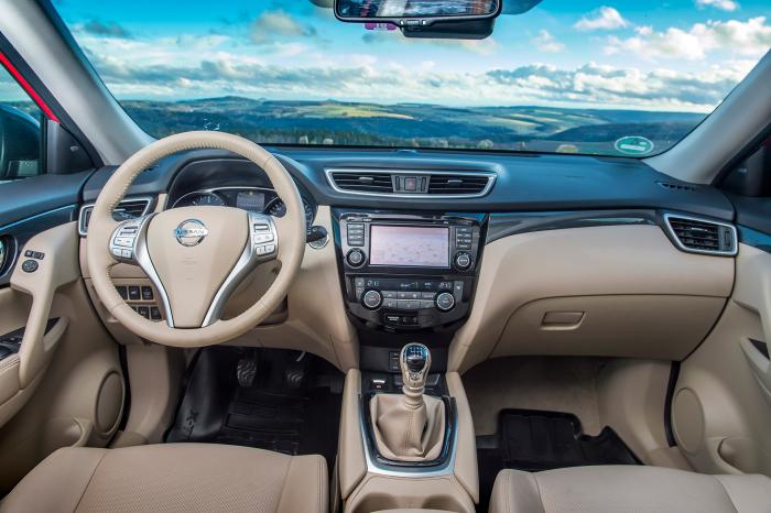 Nissan X-Trail - interiér