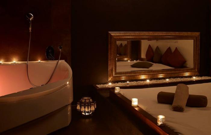 Masážní pokoj s vířivkou v salonu Mata Hari