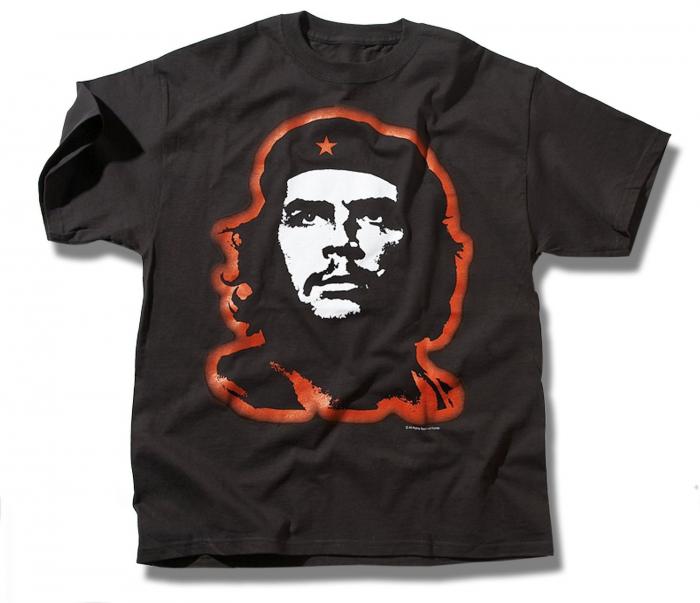 Jen hlupák si dá na tričko zločince, který má na rukou krev tisíců lidí