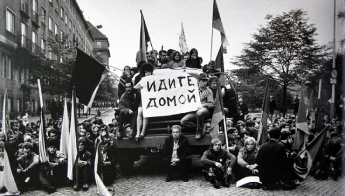 """Heslo """"Táhněte domů!"""" ze srpna 1968 platí dnes i pro Alexandrovce"""