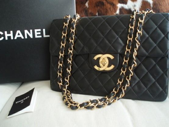Kabelky Chanel patří dodnes mezi ty nejluxusnější a nejdražší. Vhodné jsou nejen jako módní doplněk, ale i jako zboží s investičním potenciálem.