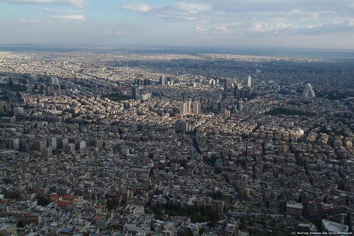 Ohyzdný Damašek z ptačí perspektivy.
