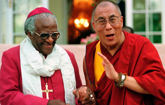 S jihoafrickým arcibiskupem Desmondem Tutu – držitelem Nobelovy ceny míru, velkým bojovníkem proti apartheidu a lovu velryb.