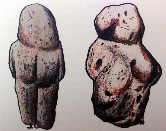Venuše z Tan-Tanu (vlevo) a Venuše z Berekhat Ram. Stvořila je lidská ruka nebo eroze?