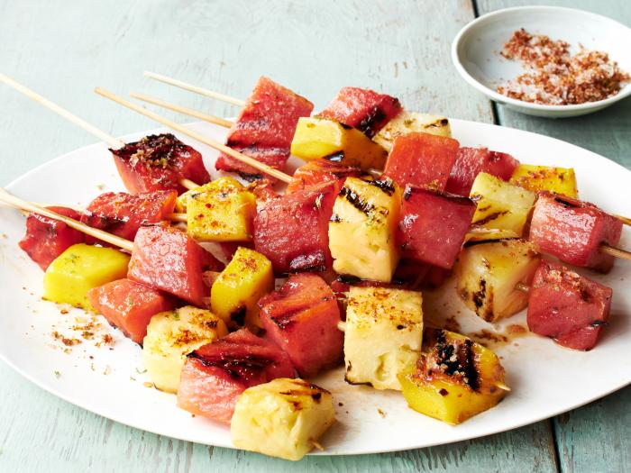 Do kombinace ovoce můžete přidat i mango, jahody... Záleží na vašich chutích