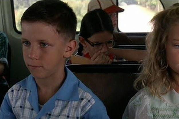 Jižanský herec Michael Humphreys, který hrál mladého Forresta musel na place učit Toma Hankse mluvit jako jižan.