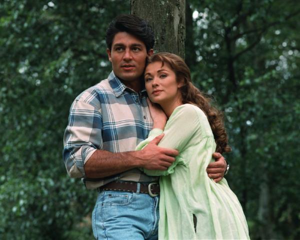 Esmeralda v objetí s José Armandem nás utvrdila, že svět je nakonec v pořádku
