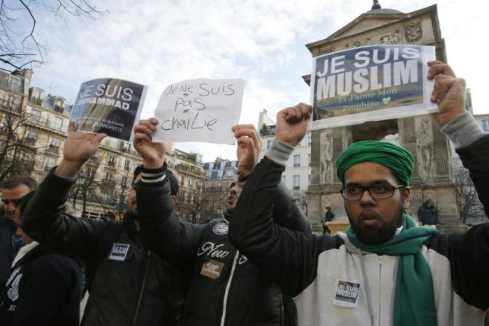 Přístup k islámu je jedním ze stěžejních témat letošních voleb ve Francii. Zvítězí nenávist nebo tolerance?