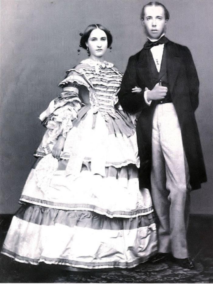 Mladý Ferdinand Maxmilián Habsburský se svou oddanou chotí Charlottou Belgickou. Ta po jeho smrti žalem přišla o rozum.