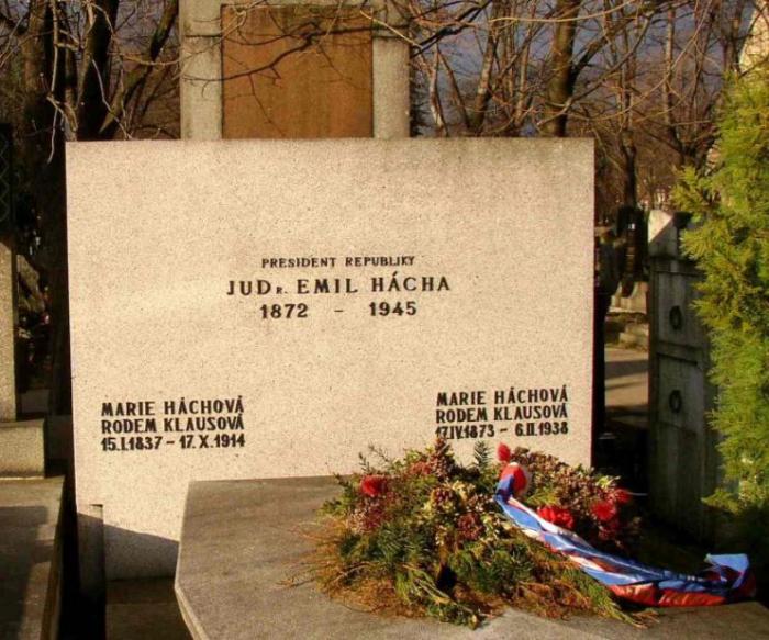 Háchův hrob na pražských Vinohradech.