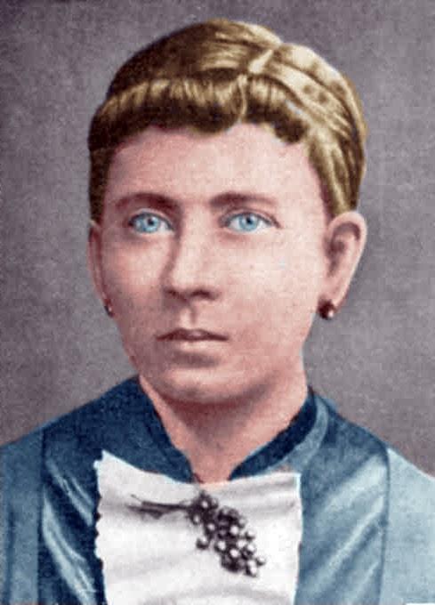 Hitlerova matka Klara, s níž měl Alois Hitler celkem šest dětí. Dospělosti se ale dožil jen Adolf a jeho sestra Paula.