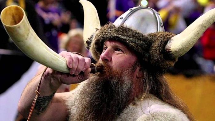 Opravový viking by toho dnešního nejspíše ubil za to, že mu dělá svým směšným vzhledem ostudu.