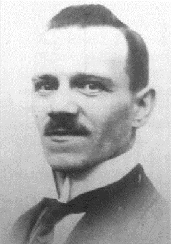 Nejstarší z dětí Aloise Hitlera - syn Alois Hitler junior, Adolfův starší nevlastní bratr.