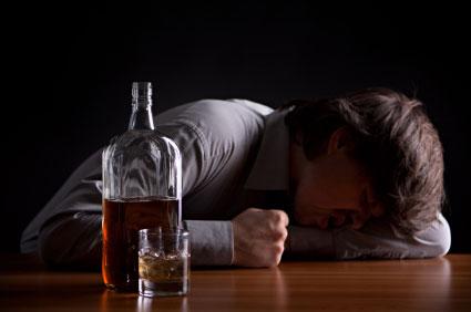 Sice přestal kouřit, ale zato se z něho stává alkoholik. Tím se to vyrovná