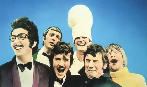 Cleese byl součástí legendární komediální skupiny Monty Python. Ta proslula právě nekorektním humorem.