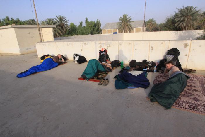 Nocleh na střeše policejní stanice v balúčistánském městečku Nuški