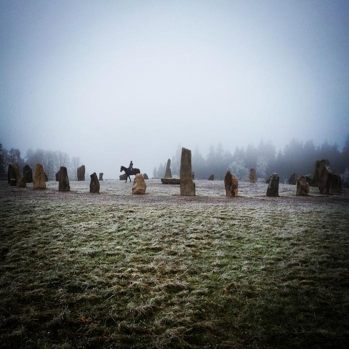 Zkamenělá církev v Česku mladé lidi nedokázala zaujmout. Ti hledají duchovno někde jinde.