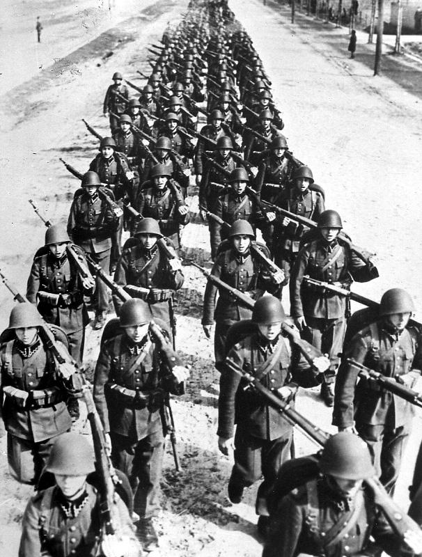 Polsko se pokoušelo invazi vzdorovat, ale marně.